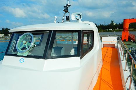 サンゴプラン TOP IMAGE(クルーザーを前方から 画像)