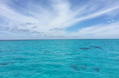 海洋散骨とは? IMAGE02(宮古島の沖合 画像)